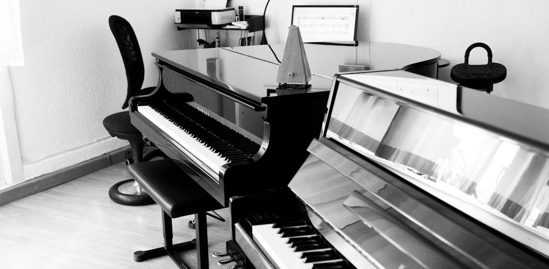 Yamaha-Flügel und Kawai-Klavier